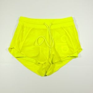 Alo yoga womens neon yellow lined stretch shorts